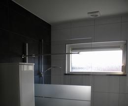 Badkamers tegelwerken - Keramische inrichting badkamer ...
